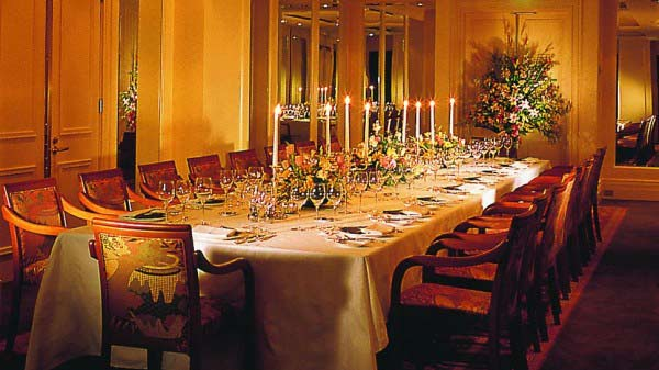 interior-designing-for-private-dinner-area