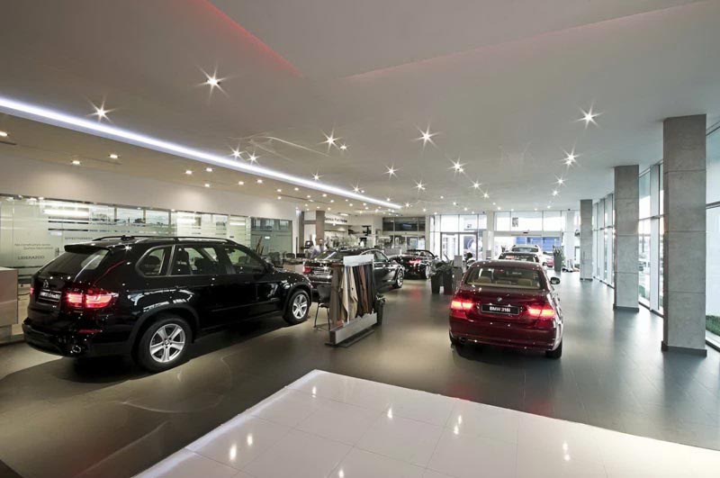 top-class-interior-designer-for-BMW-showroom